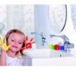 Łazienka dla dzieci czyli pomysł na  śliską posadzke, gorąca wodę, środki czystości i detergenty